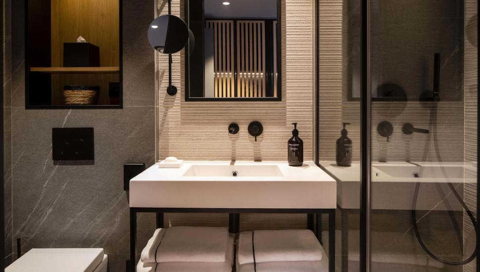 Victoria Palace Hotel Paris bathroom